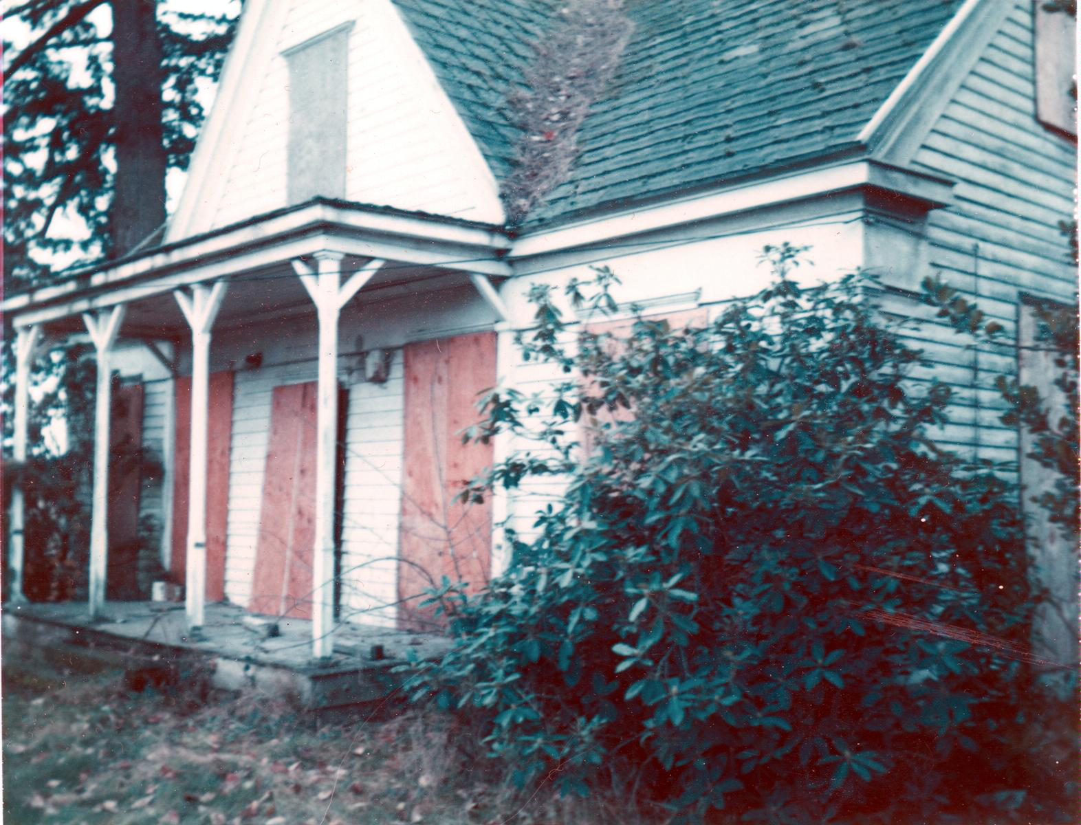 Fanno Farmhouse before restoration